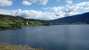 On the way from Ryfoss to Fagernes along the lakes